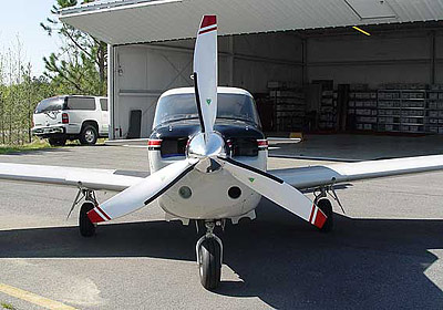 Piper PA-24 with 3-blade MTV-9