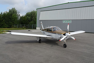 Piper PA 28 with 3-blade MTV-12 Propeller