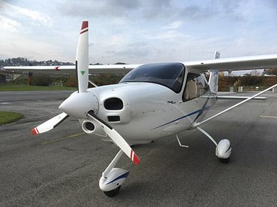 Tecnam P2010 with 3-blade MTV-12